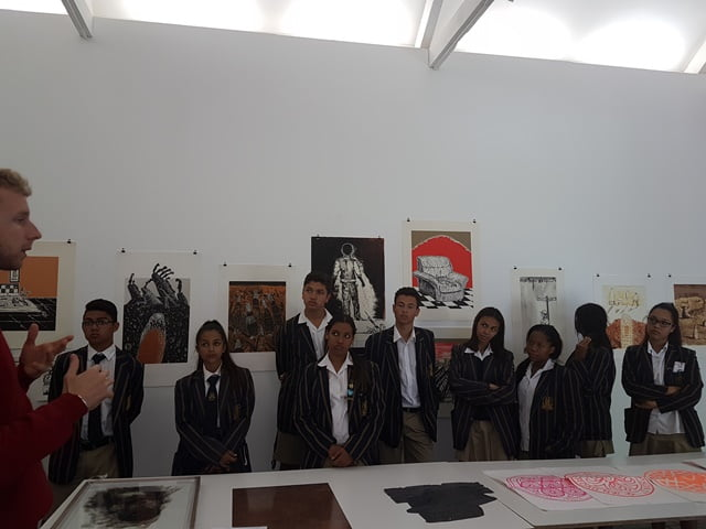 Enlightening students about printmaking and art making through collaborating